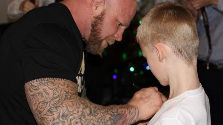 Борец Джефф Монсон в эти выходные прилетит в Тюмень, чтобы устроить для детей бесплатную тренировку