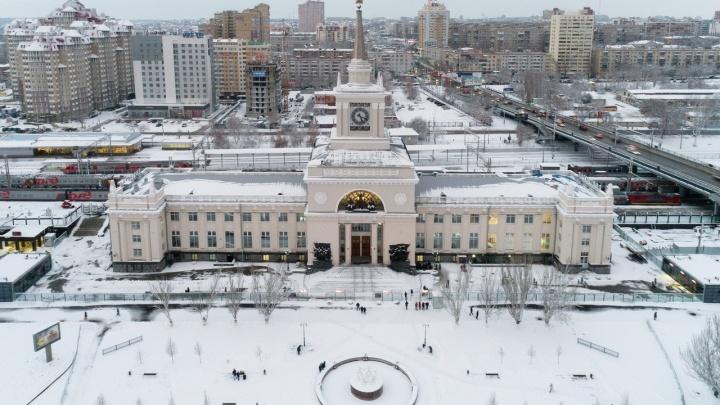 В Волгоградской области совершил экстренную остановку московский поезд