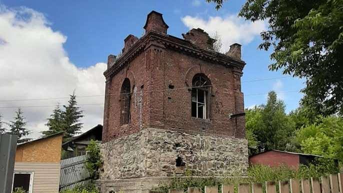 Новосибирец попросил депутата спасти старинную башню — он отказался и назвал её халабудой
