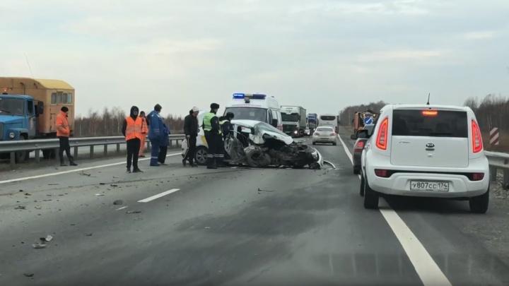 """«""""Яша"""" пошёл на обгон»: таксист устроил жуткую аварию на трассе М-5 в Челябинской области"""