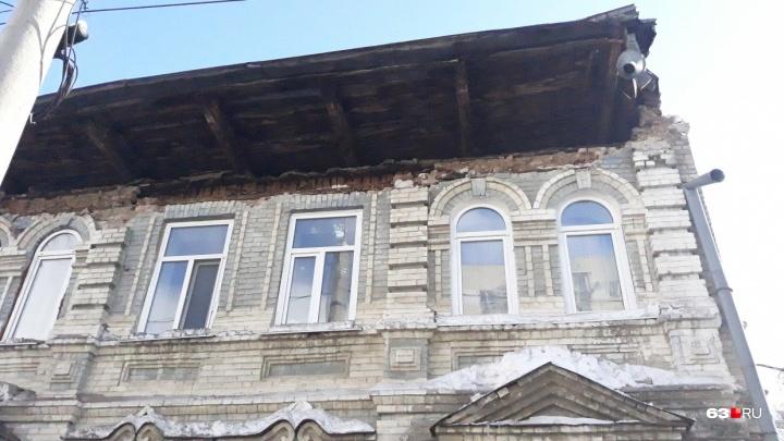 Крыша едет: в Самаре в течение месяца обрушилась кровля в 12 многоэтажках