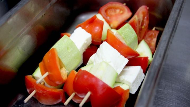 «Я никого не ем»: готовим шашлык без мяса