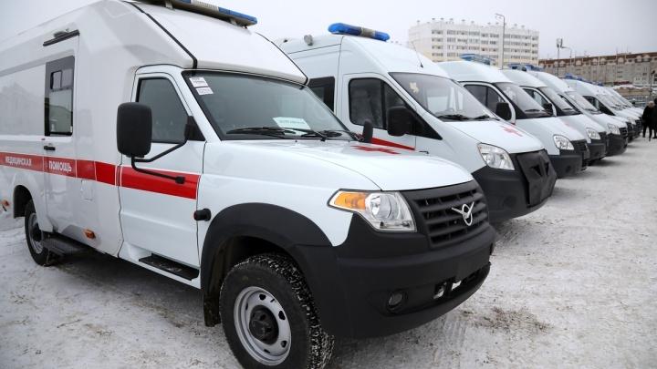 Курганские больницы получили новые машины скорой помощи