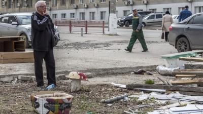 Старейший киоск с овощами в центре Волгограда поплатился жизнью из-за коммунальных сетей