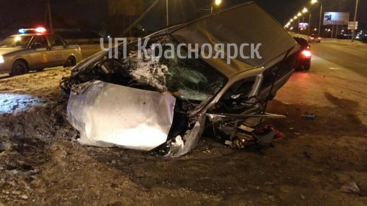 ВодительHonda HR-V разбился о бетонный блок на повороте Северного шоссе