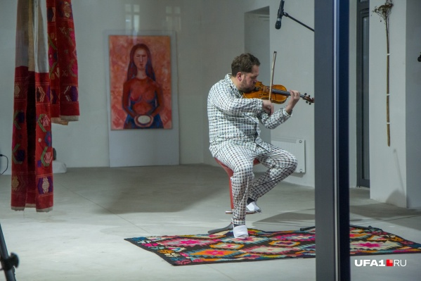 Музыкант Рустэм Сулейманов уже пять дней живет без еды и питья