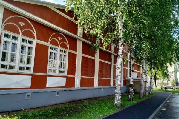 Школа искусств была признана аварийной и закрыта 8 лет назад