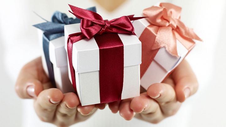 Нестыдно подарить: новосибирцам рассказали о подарках, которые пригодятся каждому
