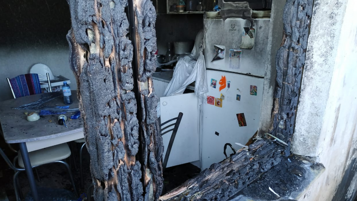 В «Суворовском» сгорела квартира, где проживала семья с малолетними детьми