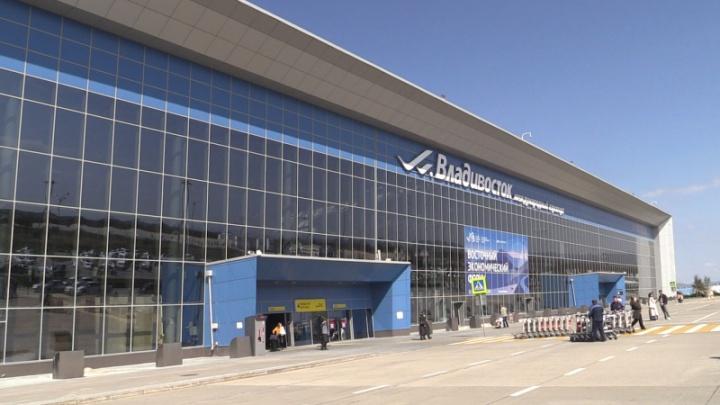 Пассажира сняли с рейса до Новосибирска за пьяный дебош