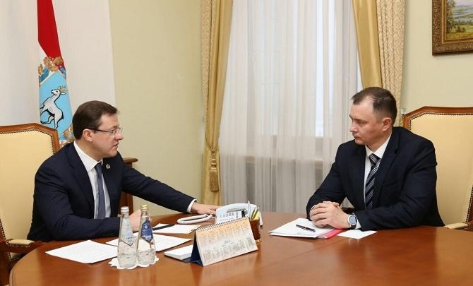 Губернатор Азаров решил сменить главу своей администрации