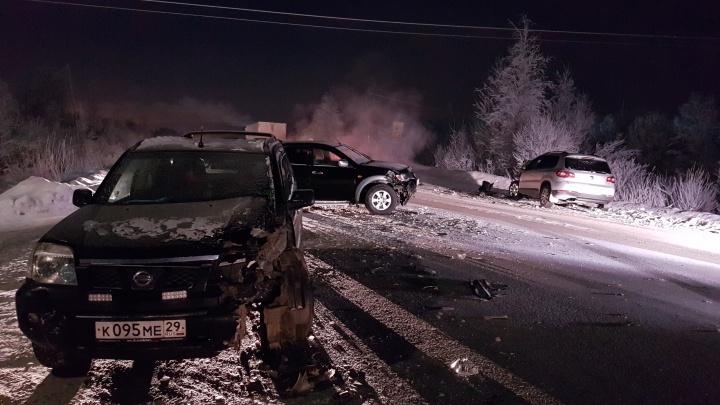 В Архангельске на Окружном шоссе столкнулись три иномарки