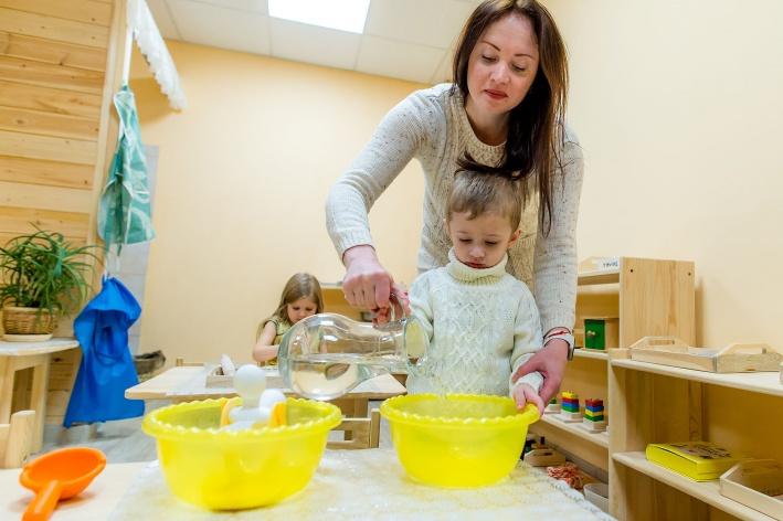 Создатели клуба-сада «Маленькая Вселенная» обучают детей самостоятельности