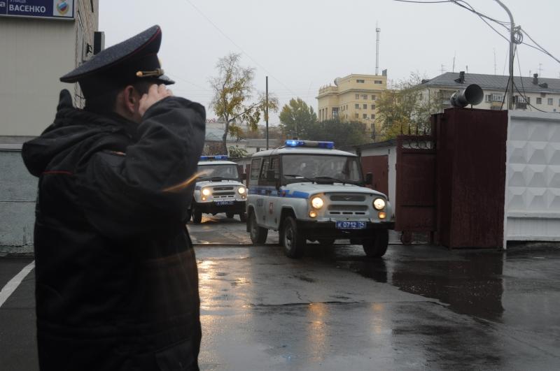 Сразу после происшествия командира автовзвода охранно-конвойной службы и его зама уволили