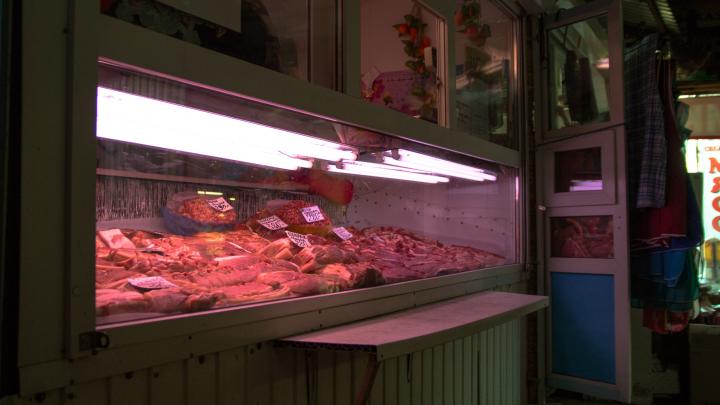 В Самарской области сняли с прилавков больше 2 тонн опасного мяса и мясных продуктов