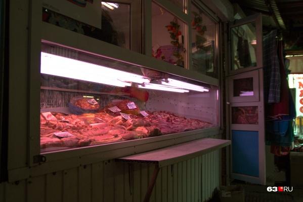 Некоторые партии мяса на прилавках были с истекшим сроком годности