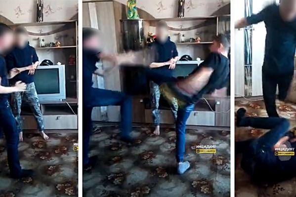 Видео драки появилось в соцсетях накануне вечером. Мы не публикуем его из соображений соблюдения законодательства в сфере защиты прав детей