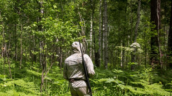 «Что вы делаете, звери!»: у новосибирских охотников в лесу отобрали ружья