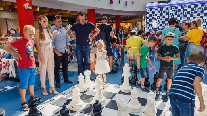 Больше 80 волгоградцев сразились в шахматы — на скорость и на слух