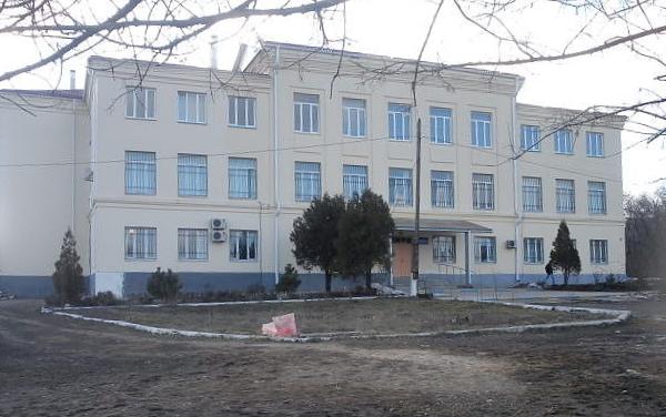 В Ростовской области директора железнодорожного техникума обвиняют в даче взятки