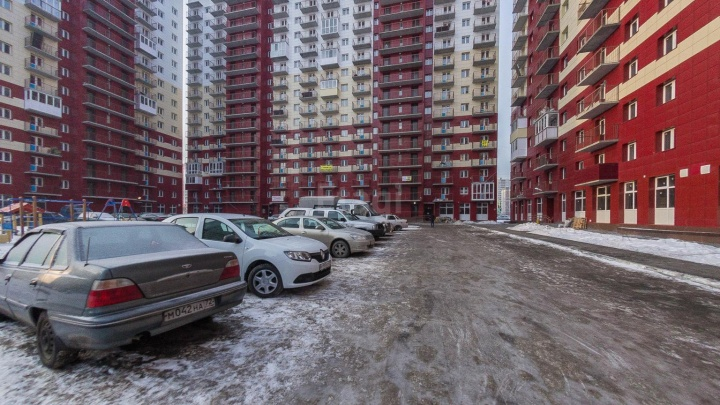 На Пермякова насмерть разбился мужчина, выпавший с балкона 16-этажки