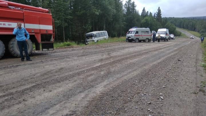 Следователи Прикамья: автобус вылетел в кювет на трассе под Красновишерском из-за неисправности