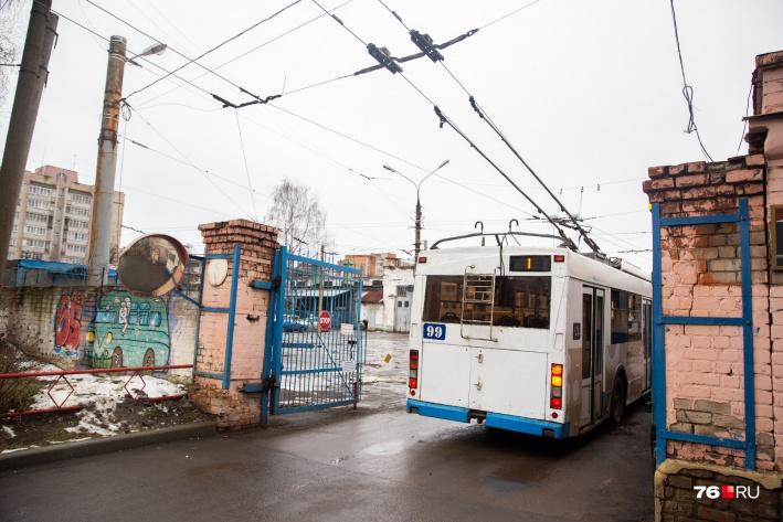 Сотрудники троллейбусного депо переживают, что останутся не у дел