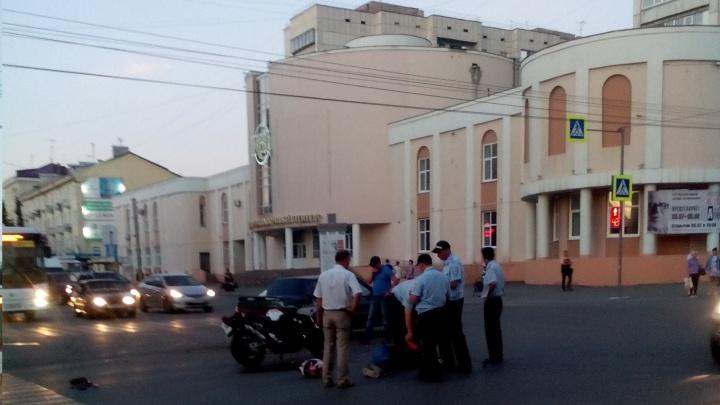 В центре Кургана в аварии пострадал мотоциклист