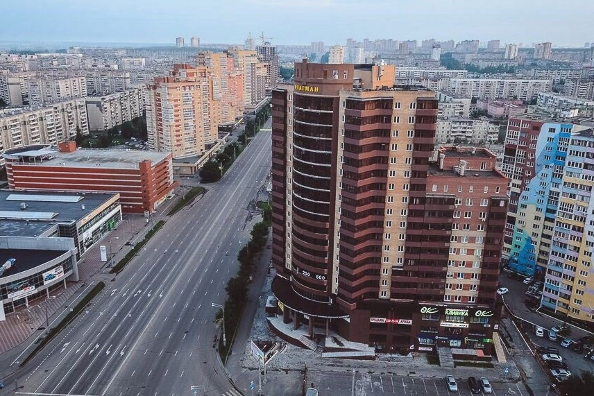 Покупателям квартир в высотке рекламировали просторную парковку в закрытом дворе