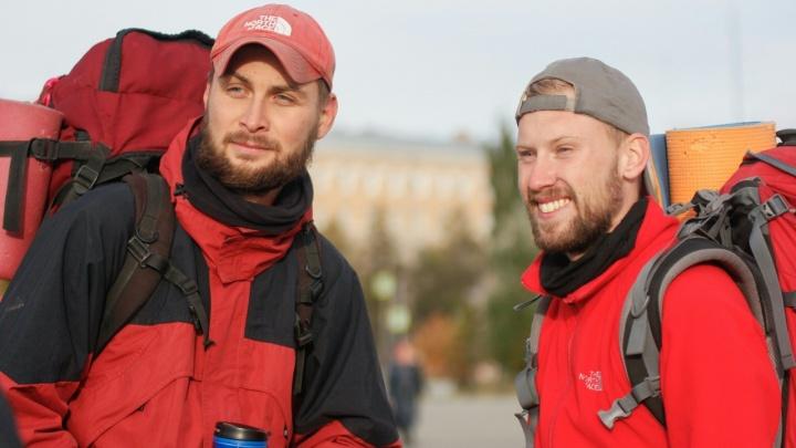 Два путешественника пешком добрались из Перми в Омск по «Пути Ермака»