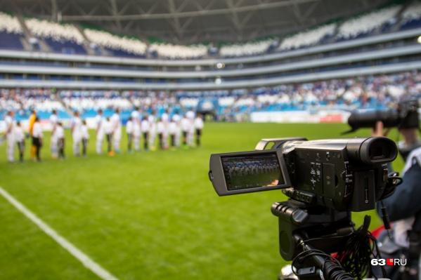 """На стадионе уже давно проходят футбольные матчи и <a href=""""https://63.ru/text/entertainment/66144292"""" target=""""_blank"""" class=""""_"""">даже музыкальные концерты</a>, а его строители так и не увидели денег"""