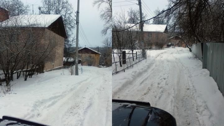 Не проедет ни скорая, ни катафалк. Жители Советского района устали жить без дороги и освещения