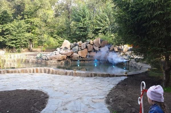 Искусственное озеро в парке создавалось около года