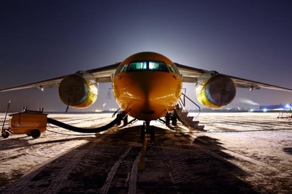 Пассажирский самолёт Ан-148