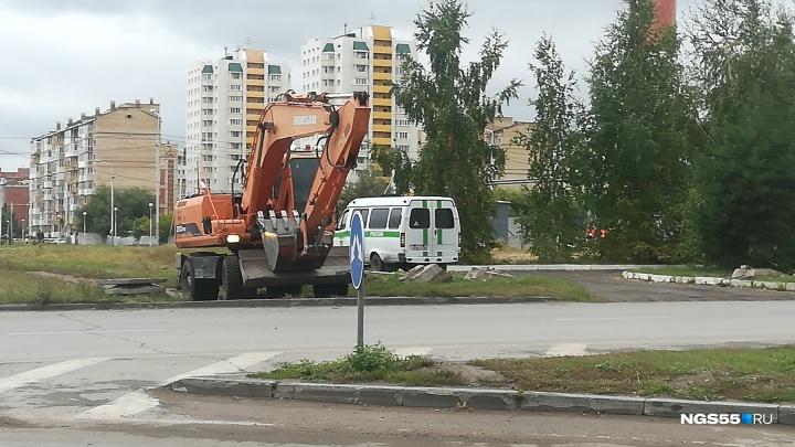 «Может произойти взрыв»: в Омске сносят часть котельной, которую губернатор обвинял в рэкете
