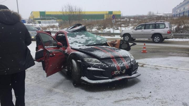 Вылетел под фуру: на трассе под Новосибирском погиб парень на спорткаре