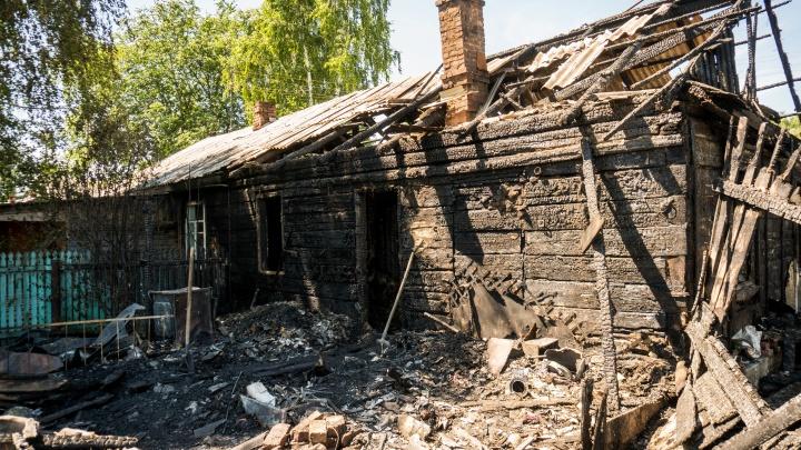 Шанса у них не было. Сгоревших в Целинном детей пытался спасти дядя — но сделал хуже, разбив окна