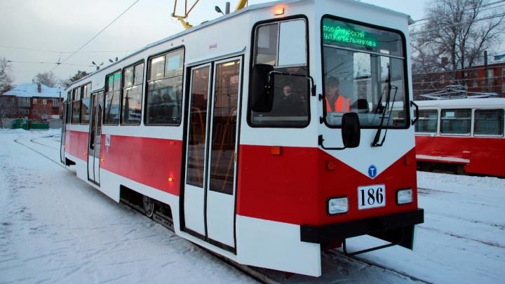 Омский трамвай ко Дню города украсят фотографиями его предшественников