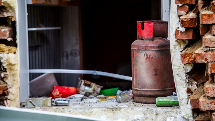На рынке в Кировском районе взорвался газовый баллон — продавец получил тяжёлые травмы