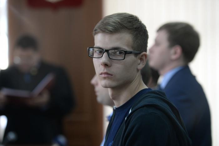 Суд назначил парню работы за драку с жителем Екатеринбурга Саргисом Арутюняном