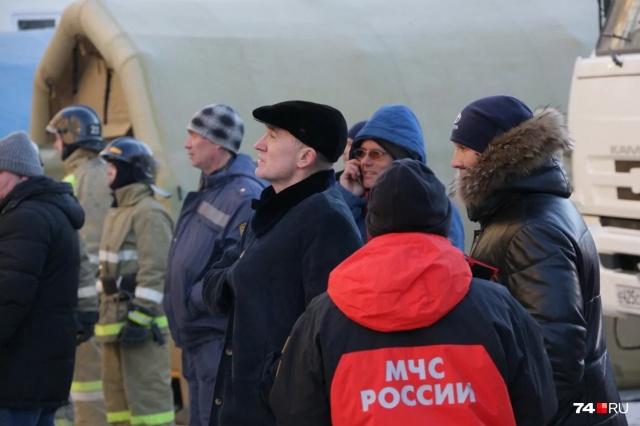 Губернатор Челябинской области Борис Дубровский пообщался с жильцами дома