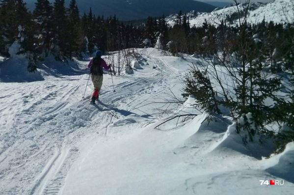 Прогулка на лыжах закончилась для троих туристов вызовом спасателей