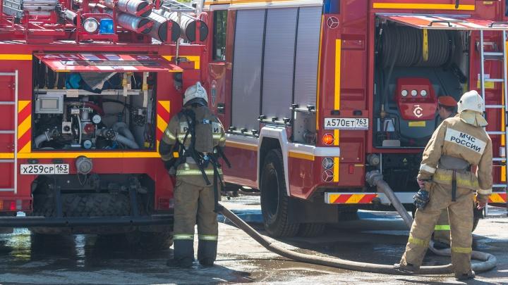 Смертельный пожар: в Самаре горел склад макулатуры на Заводском шоссе