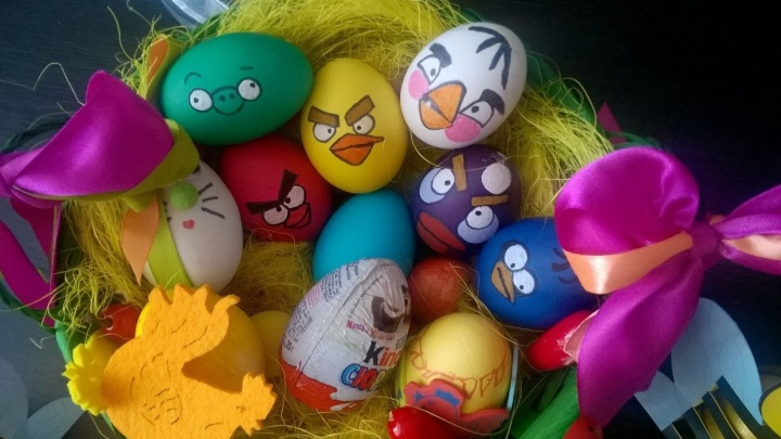 Лучшими пасхальными яйцами читатели E1.RU назвали Angry Eggs