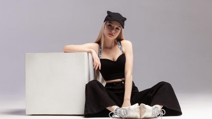 «Жду творческого пинка»:Кристина из Уфы рассказала об участии в проекте «Песни»