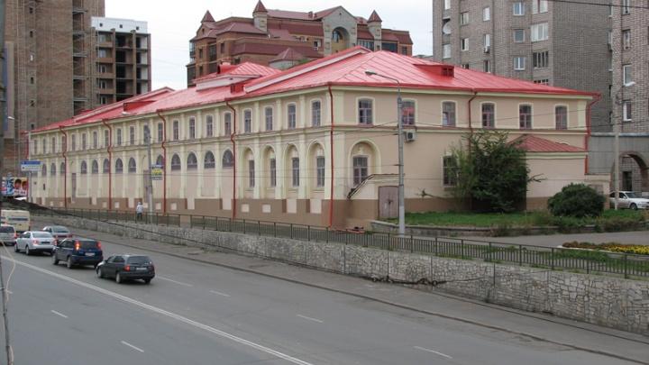 По Красноярску продолжаются эвакуации. Письмо с угрозами о взрыве поступило в здание краевого архива