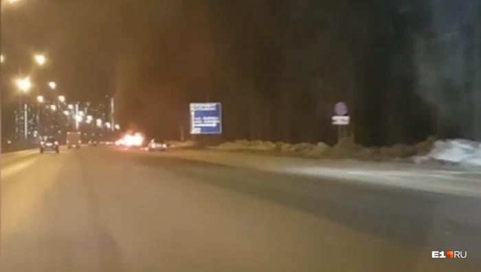 Салон автомобиля выгорел полностью