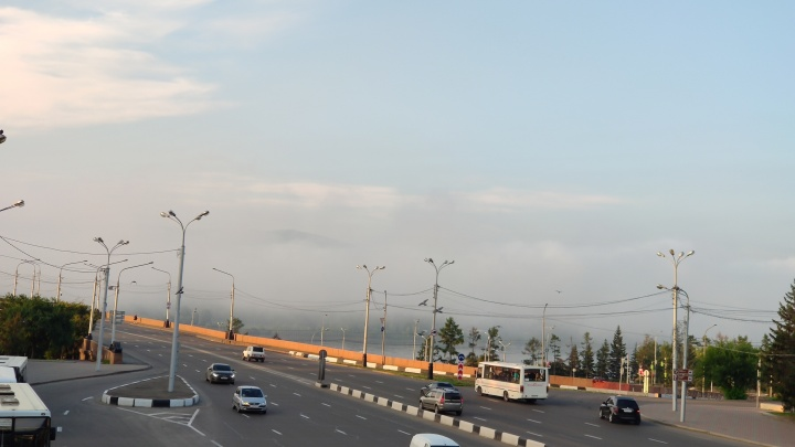 Красноярск затянуло чистым туманом