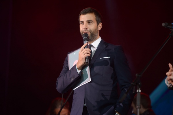 Вести церемонию Народной премии E1.RU будет Иван Ургант