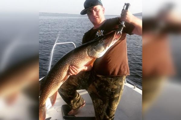 Вес рыбы — 9 кг